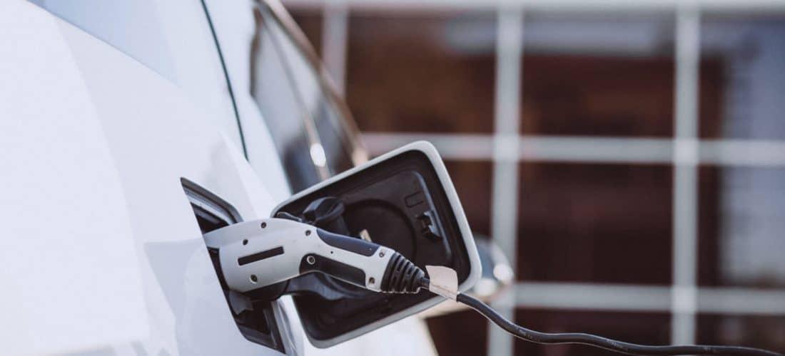 Elektryczne samochody będą kontrolować ulice Warszawy