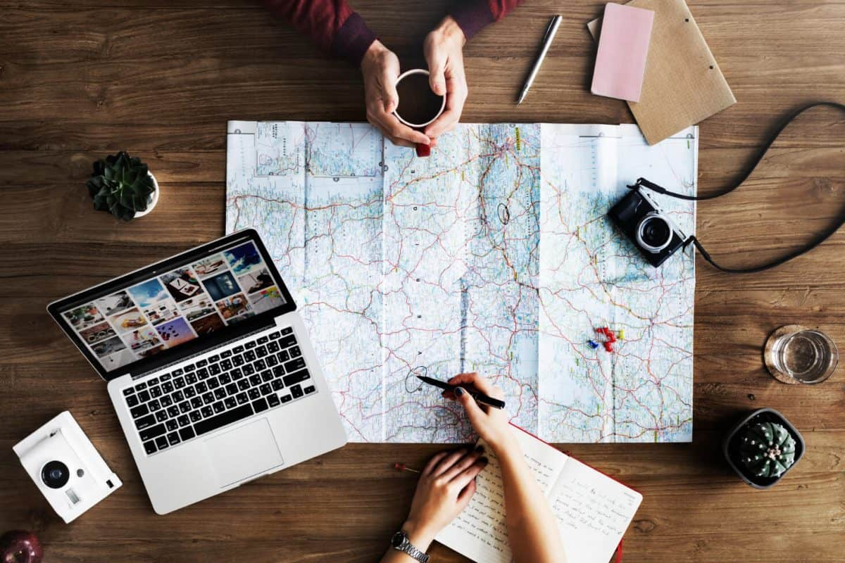 Jak technologia zmienia podróżowanie?