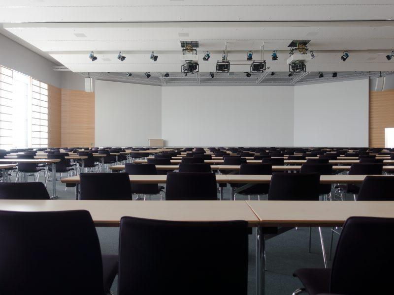 Co przyda się do przygotowania i wyświetlenia prezentacji?
