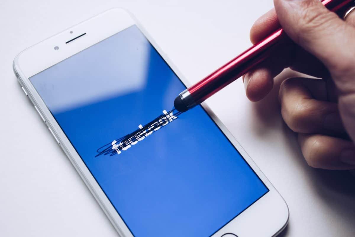 Czy Facebook wyda swojego smartwatcha?